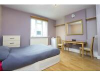 3 bedrooms in Fulham Palace Road 478, SW6 6TL, London, United Kingdom