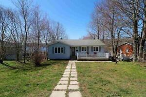 OPEN HOUSE * 571 LAKEVIEW AVE . SACKVILLE  * SUN JULY 8, 2-4 PM