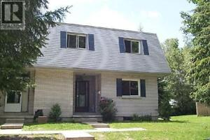 197 BOULLEE ST London, Ontario