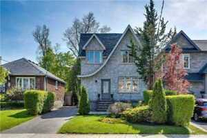 Stunning 3 Bed Family Home In Leaside w. 2 Parking & Backyard