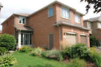 BEAUTIFUL NEWMARKET HOME 2 MINUTES TO HWY 404