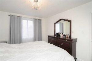 4 piece Queen Bedroom Suite