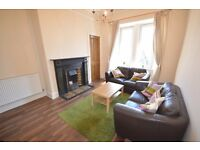 Bright and spacious 2 bedroom property on Gorgie Road - AVAILABLE - JULY - NO FEES!!!
