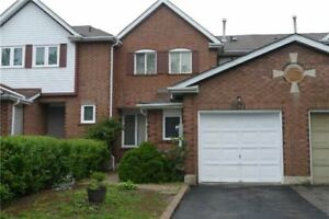 Exquisite 3 Bed 3 Bath 2-Storey Townhouse in Mississauga