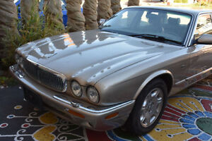 2003 Jaguar XJ8 Sedan - V8! - Luxury & Sporty - 1 of a kind