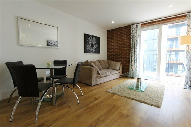 LUXURY CONVERSION 1 BED WAREHOUSE COURT SE18 ROYAL ARSENAL WOOLWICH PLUMSTEAD CANARY WHARF