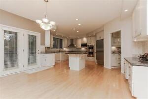 Exquisite Estate Home on 12500 Sqr. Ft. Pie Lot Edmonton Edmonton Area image 3