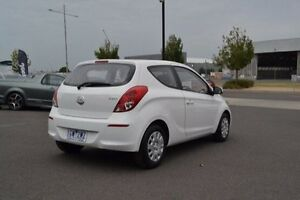 2013 Hyundai i20 PB Active White Manual Strathmore Heights Moonee Valley Preview