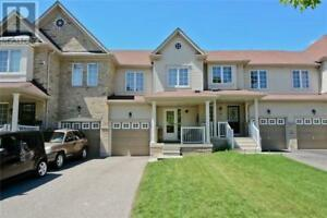 Spacious 3 Bedroom Townhouse in a convenient location - Whitby