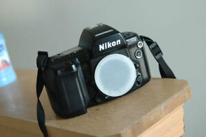 Reduced To Sell : Nikon N90s FILM camera.