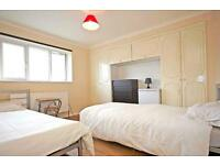 9 bedrooms in Huxley road 66, E105QU, London, United Kingdom