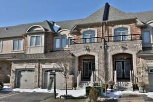 2465 Sqft 3 Br Exec Freehold T/H In Bronte Creek