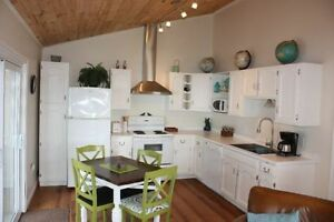 ROMANTIC OCEANFRONT COTTAGE JUNE SPECIALS!  $750/week