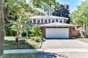 Breathtaking house close to Airport & Steps from Humber College