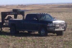 2001 dodge diesel  3500 Moose Jaw Regina Area image 1
