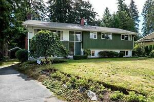 Bright 4 bed, 2.5 bath, 2680 sqft North Vancouver House