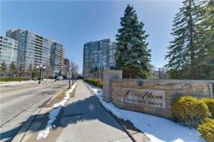 Fabulous Condo In Superior Location Of Thornhill At Townsgate Dr
