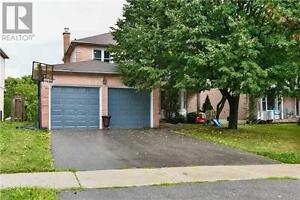 Beautiful 3 Bedroom House in Demand area of Aurora for $ 2500 !