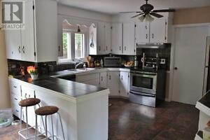 Spacious home in Riverview! OPEN HOUSE JUNE 25th 2-4pm!