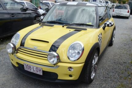 2002 Mini Cooper S  5 Speed Manual Hatchback Highland Park Gold Coast City Preview