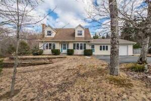 Gorgeous Single-Family Home Located in Hammonds Plains!