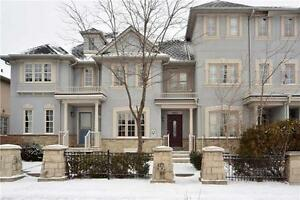 BEAUTIFUL TOWNHOSE FOR SALE IN RICHMOND HILL $888,000
