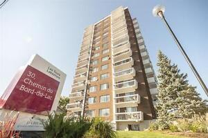 Pointe Claire By The Water-Bright-Dazzling Views- All included West Island Greater Montréal image 5