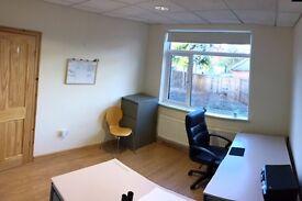Small Office 1-2 desks in Slateford w. parking