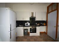 Students 17/18: 2 bedroom 3rd floor flat in St Leonards available AUGUST - NO FEES
