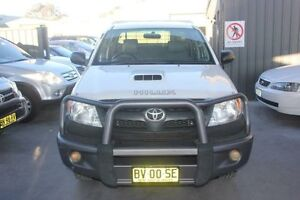 2007 Toyota Hilux KUN26R 07 Upgrade SR (4x4) White 5 Speed Manual Dual Cab Chassis Mitchell Gungahlin Area Preview
