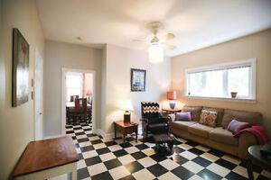 Elegant 1 bed + den Executive Rental - all in!
