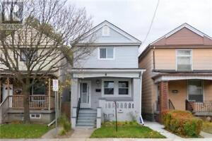 138 BARNESDALE AVE N Hamilton, Ontario