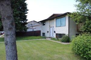 2 Bedroom Lower Suite in 4-Plex Bldg, Riverview, Red Deer