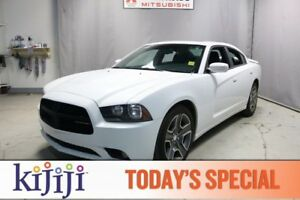 2014 Dodge Charger SXT Navigation (GPS),  Heated Seats,  Sunroof