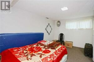 Furnished Room for Rent in Malton(Males only,No Parking)