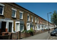 Bermondsey SE16. Large & Contemporary 3-4 Bed Fully Furnished House with Garden on Quiet Street