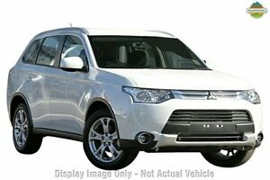 2015 Mitsubishi Outlander ZJ MY14.5 ES 2WD Silver 6 Speed Constant Variable Wagon Cannington Canning Area Preview