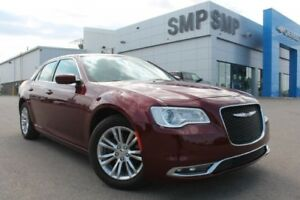 2016 Chrysler 300 Touring - Leather, Sunroof, NAV, Rem. Start, A