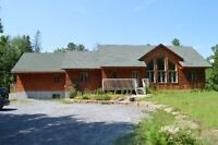 DUNROBIN - STUNNING LOG HOME WITH IN-LAW SUITE