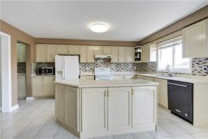 FABULOUS 4+1Bedroom Detached House @BRAMPTON $969,900 ONLY