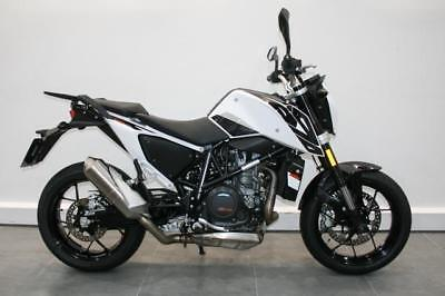 KTM Duke 690 only 3429 miles buy this bike for £99 deposit and £76.56pm