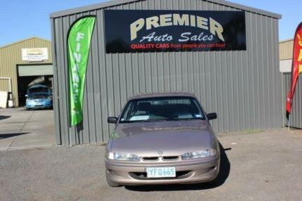 1997 Holden Commodore VSII Executive Gold 4 Speed Automatic Sedan Mitchell Gungahlin Area Preview