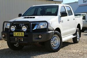 2015 Toyota Hilux KUN26R MY14 SR (4x4) Glacier White 5 Speed Automatic Dual Cab Pick-up Windradyne Bathurst City Preview