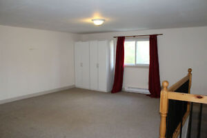 Clean, bright and spacious, and just minutes walk to everything! Kitchener / Waterloo Kitchener Area image 5