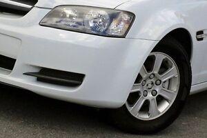 2008 Holden Commodore White Automatic Sedan Dandenong Greater Dandenong Preview