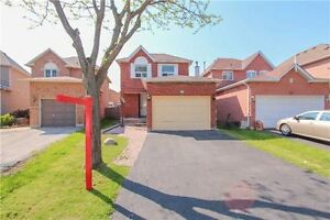 HOUSE WITH FINISHED BASEMENT FOR EXCLUSIVE SALE IN BRAMPTON