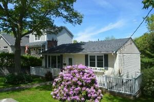 AVAILABLE MARCH 1: BEAUTIFUL HOUSE FOR RENT