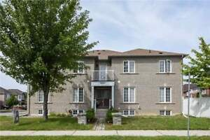 4 Bedroom House In The Heart Of Newmarket! FOR SALE!!
