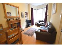 Modern, ground floor, 2 bedroom flat suitable for students or professionals available August NO FEES