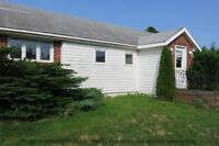 BUNGALOW IN THE COUNTRY ... MINUTES FROM WOLFVILLE!